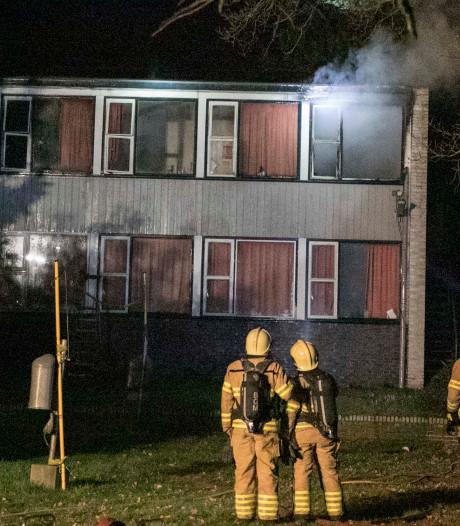 54 mensen moeten brandend pand Velp ontvluchten