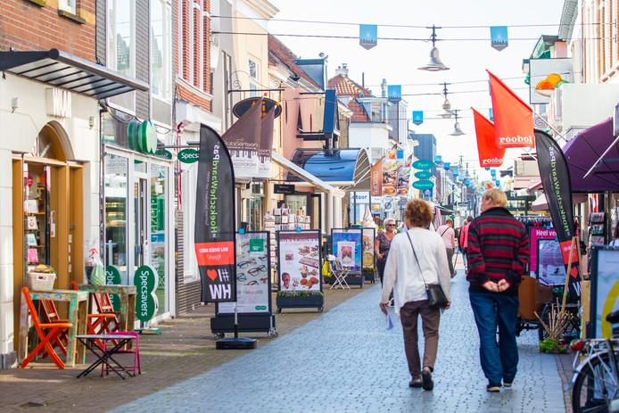 De winkels in Oud-Beijerland mogen op twaalf zondagen open, maar de middenstanders maken er geen gebruik van.