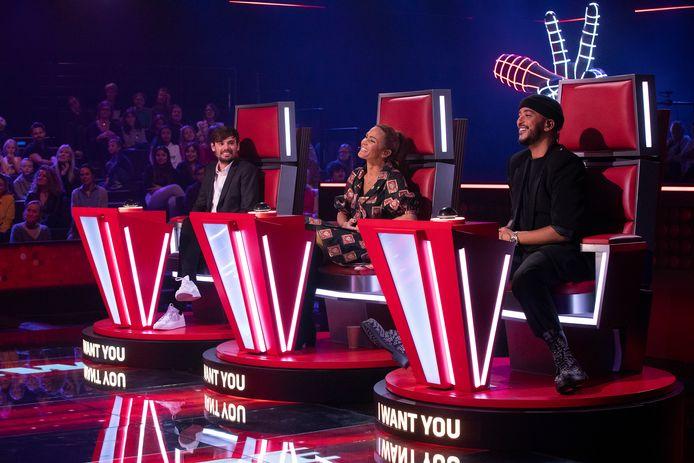 """Matthew Irons, Vitaa et Slimane sont les trois coachs de cette première saison belge de """"The Voice Kids""""."""