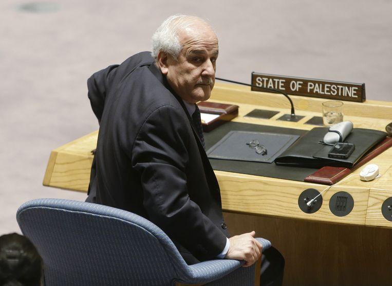"""Palestijns VN-gezant Riyad Mansour. """"Het Amerikaanse consulaat heeft geweigerd om hen visa te geven en natuurlijk heeft de bezettingsmacht Israël de zaken bemoeilijkt"""", zegt Mansour. De ambassadeur gaat een klacht indienen bij de VN. De organisatie en de Verenigde Staten wensten niet te reageren."""