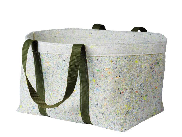 'Tillverka'-collectie van gerecycled vilt. Tas €19,95 ikea.com Beeld