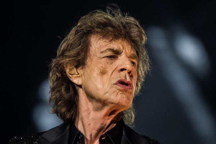 Leadzanger Mick Jagger van de Britse rockband The Rolling Stones tijdens een show in Gelredome.