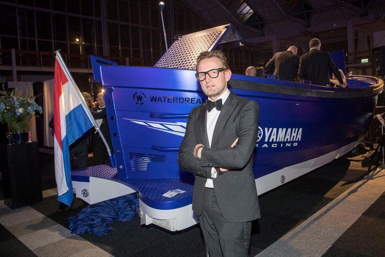 Bernhard bij de presentatie van een aluminium sloep door Waterdream. Beeld Hollandse Hoogte