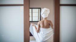 Waarom je je handdoeken op hotel beter niet opnieuw gebruikt