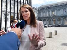 """Rester chez soi? Sophie Wilmès remet Pieter de Crem à sa place: """"Qu'on s'en tienne aux communications officielles"""""""