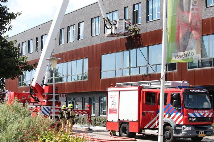 Brand in school ISW Hoogeland aan Professor Holwerdalaan Naaldwijk