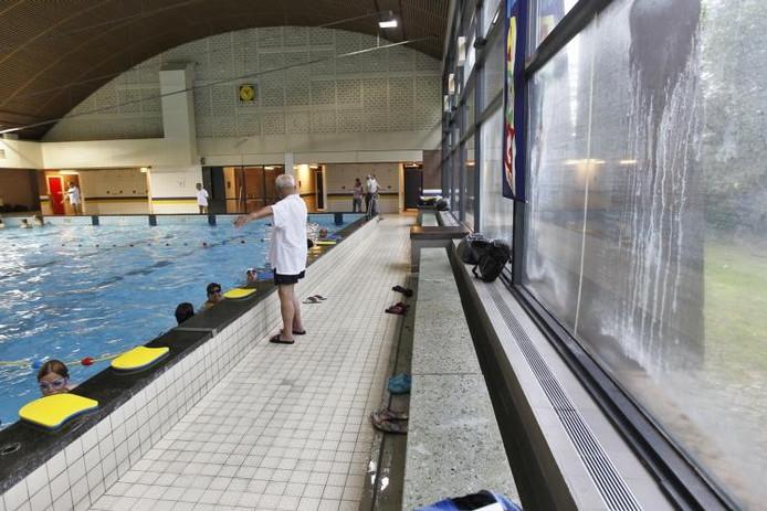 Het 25 meterbad van De Wissen. foto Ton van de Meulenhof