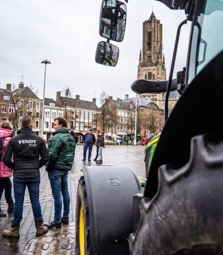 Veel politie bij boerenprotest in Arnhem: 'Vertrouwen in de overheid is tot nulpunt aan het dalen'