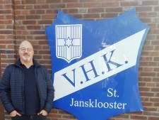 Voorzitter Bram de Jonge van V.H.K. begint met werving van vrijwilligers voor club in Sint Jansklooster
