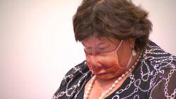 Maggie De Block verschijnt in de commissie met dit opvallend mondmasker