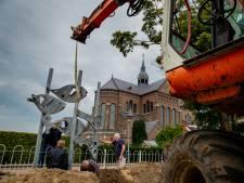 Museum Tweestromenland hengelt derde kunstwerk van Jac Maris binnen bij plaatselijke basisschool