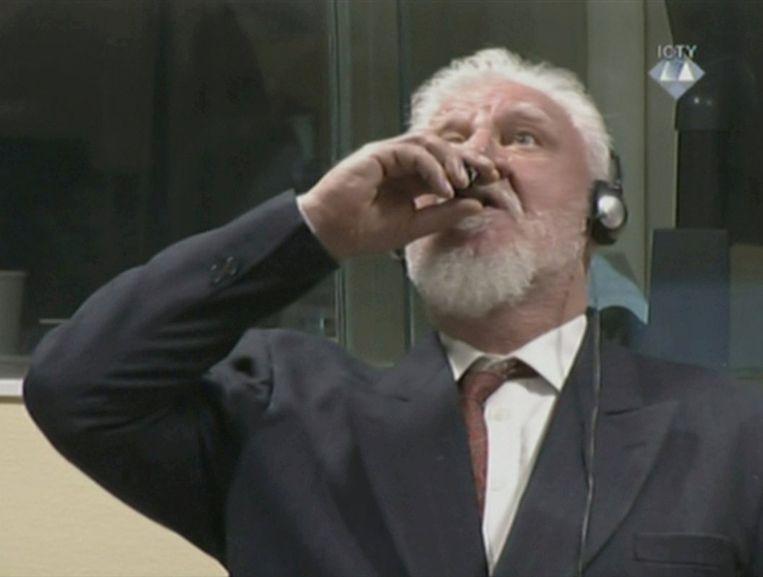 De Bosnisch-Kroatische ex-generaal Slobodan Praljak dronk gif toen de rechter het vonnis uitsprak, hij overleed enkele uren later.