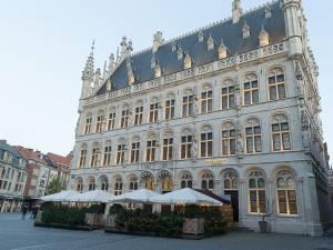 Le sultan d'Oman loue un hôtel entier sur la Grand-place de Louvain pendant deux mois