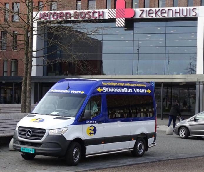 De Seniorenbus Vught verzorgt veel ritjes naar het ziekenhuis in Den Bosch. In Boxtel wil men ook graag een bus laten rondrijden. Een probleem: er moet geld bij.