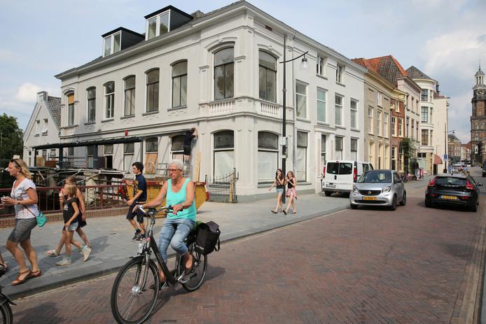 Het pand aan de Marspoortstraat in Zutphen waar ondernemer Ayhan Sahin zijn stadshotel en proeflokaal 'tOer wil vestigen.