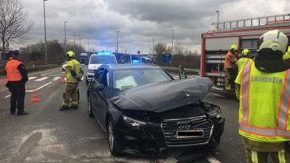 Automobilist gewond bij botsing op kruispunt