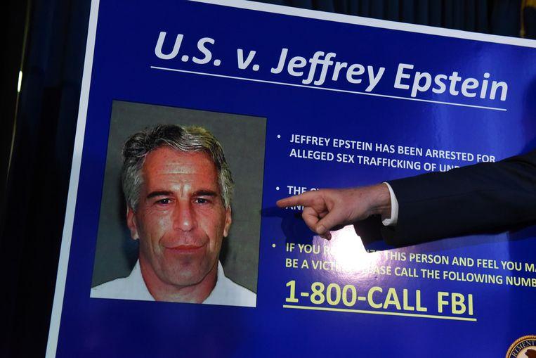Een FBI-poster van Jeffrey Epstein. Beeld Stephanie Keith / Getty