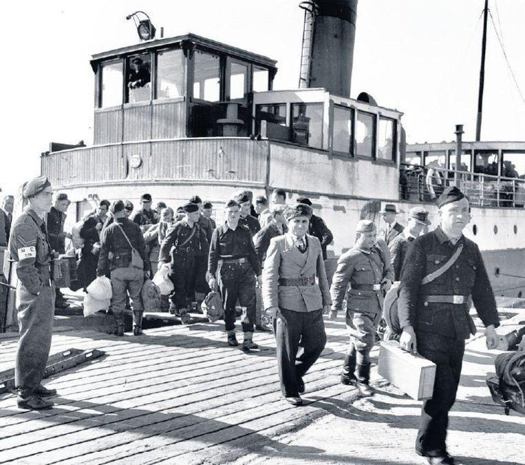 Georgische soldaten voor hun vertrek van Texel. Beeld www.derussenoorlog.nl