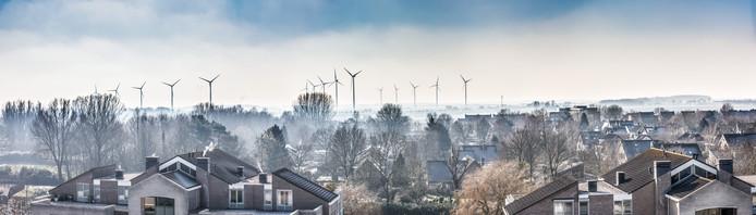 De talloze windmolens op de grens van de gemeenten Ettenleur en Moerdijk zijn vooral vanuit Zevenbergen goed zichtbaar.
