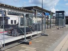 Perron NS-station Goes schuift op