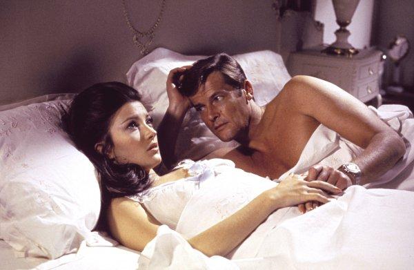 In de wereld van James Bond bestaan condooms (nog?) niet