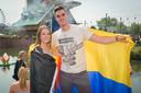 Jens en Antonella op Tomorrowland, met de Belgische en Colombiaanse vlag.