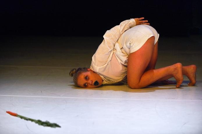 Elysia Mc Mullen tijdens de voorstelling bij United-C