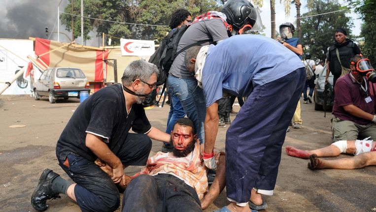 Aanhangers van de Moslim Broederschap bij een van de protestkampen. Beeld AP