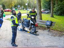 Grote politiecontrole in Rotterdam-Ommoord; bestuurder gestolen bus aangehouden