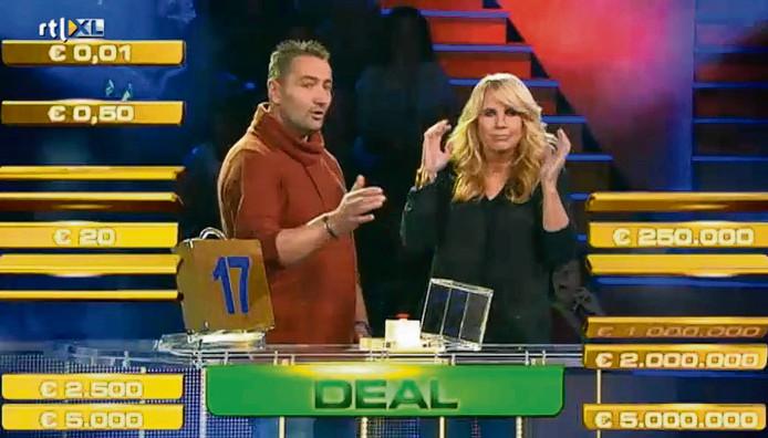 Het beroemde moment waarop Arrold in de fout gaat en Linda schrikt.