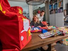 Ilse en Dylan uit Klarenbeek pakken de hele nacht cadeautjes in voor ruim 10.000 arme gezinnen
