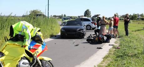Auto en scooter botsen op elkaar in Baarn: één gewonde