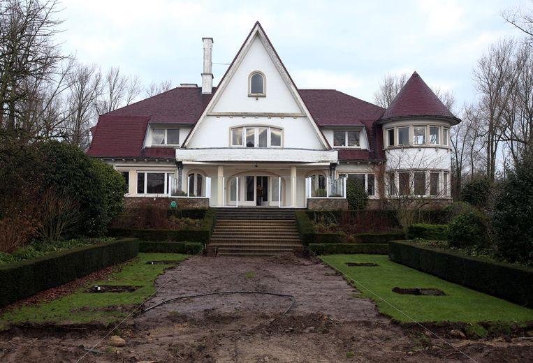 Villa 'Castel Fiertel' in 2015 toen de gemeente het aankocht