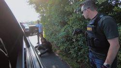 Andy Peelman overmeestert moordenaar met geladen pistool