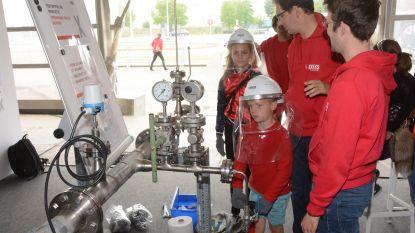 Jong geleerd, oud gedaan: chemiebedrijf Lanxess laat kleinste bezoekers kennismaken met techniek