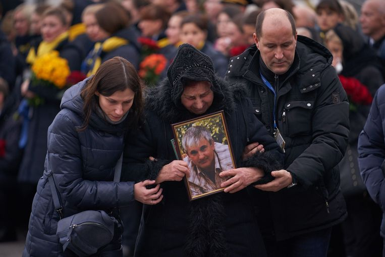 Een herdenkingsceremonie voor de slachtoffers van de vlucht die in Iran uit de lucht werd geschoten. Beeld AFP