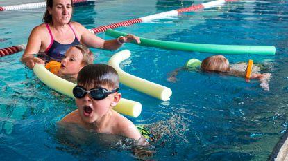 Met kleuters op zwembadvakantie? Voor vertrek nog snel op cursus Turbozwemmen