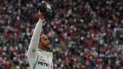 Vloekende Hamilton grijpt in Mexico vijfde titel, dominante Verstappen knalt naar zege - Vandoorne als 8ste nog eens in de punten