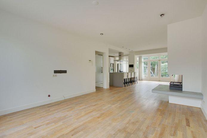 De woonkamer is vrij groot (56 vierkante meter).