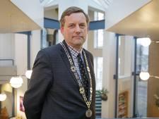 Scheidend burgemeester geeft Kapelle een kerkdienst cadeau