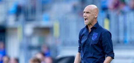 Uitbraak corona bij Vitesse: staf in quarantaine, Sturing tijdelijk trainer
