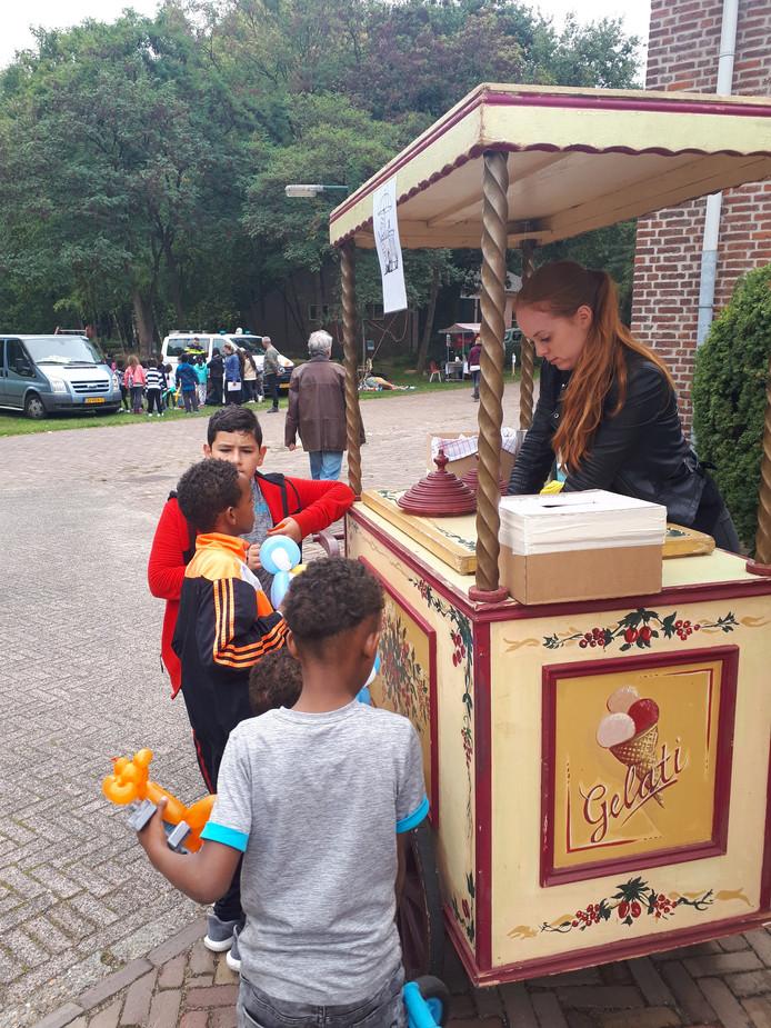 Voor de kleintjes was er een (gratis) ijsje.
