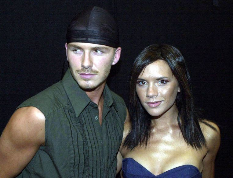 David en Victoria Beckham in 2000. Niet meteen een toonbeeld van stijl, maar de outfits van Victoria werden wel gretig gekopieerd.