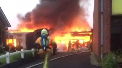 Man die loods van ouders in brand stak krijgt 175 uren werkstraf en moet verzekering 192.000 euro