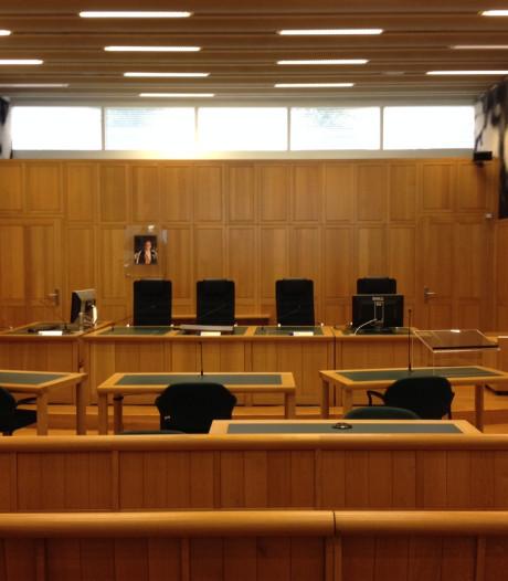 Moordpoging op echtgenote moet Helmonder tien jaar cel kosten