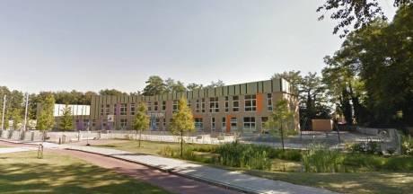 Glasscherven en pilletjes op schoolplein bij De Twijn in Nijverdal