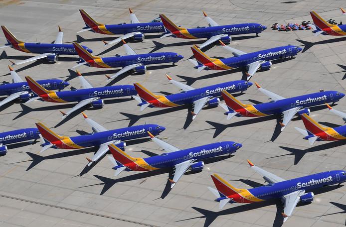 Boeing 737 MAX-vlieguigen van Southwest Airlines staan geparkeerd op een terrein in Victorville, California