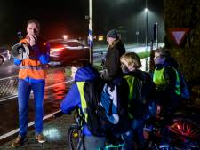 In het pikkedonker naar school fietsen hoeft straks niet meer