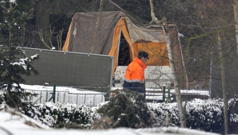 Gerecht Doorzoekt Huis En Tuin Buurman Vermoord Koppel De