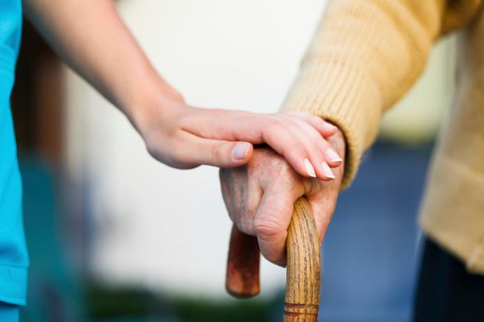 thuiszorg mantelzorg zorg bejaarde bejaarden oudere ouderen